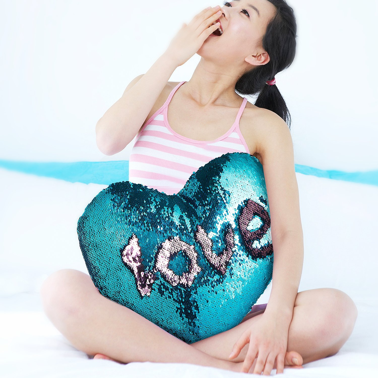 U-miss Mermaid Scale Heart Cushion Snooze